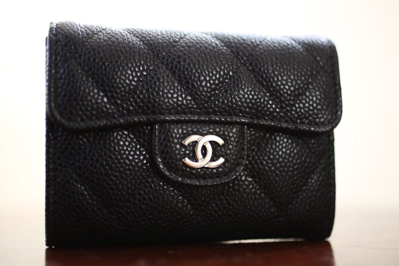 26c56a775b718a Chanel small wallet in black caviar leather and silver hardware ...