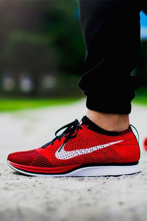 f18d72a386be2 ... new arrivals idée et inspiration sneakers nike image description nike  flyknit racer red b2c4b ba39d