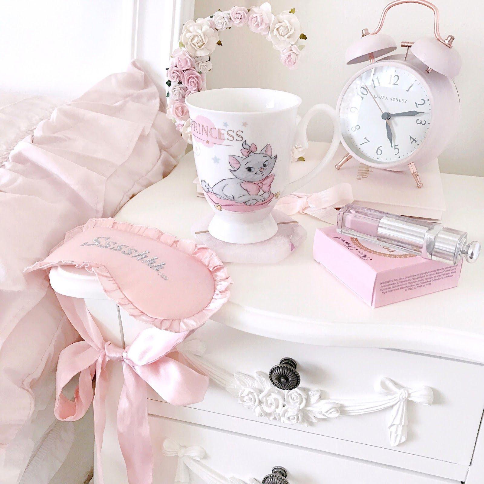 Pinterest EnchantedInPink Girly room, Shabby chic pink