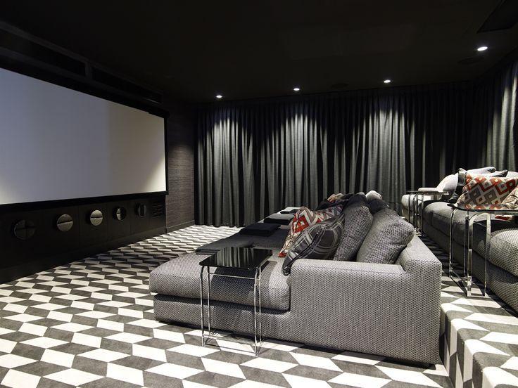 Resultado de imagen para salas de cine empapeladas de negro