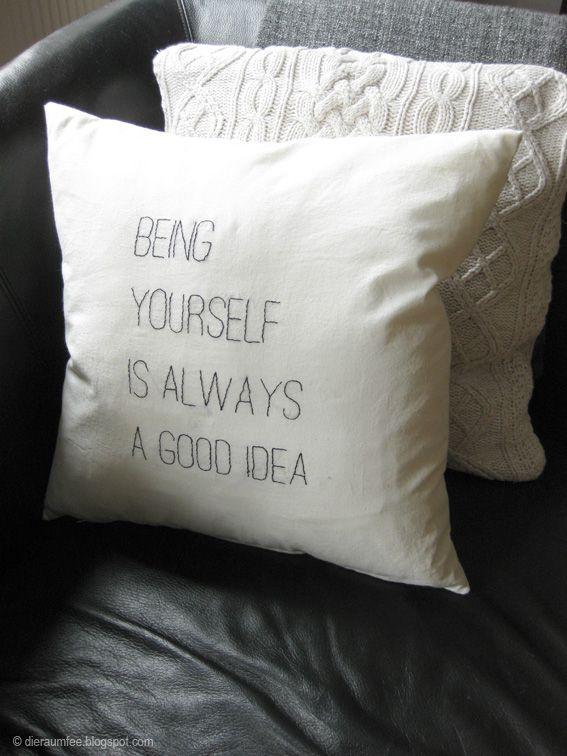 besticktes kissen stiched pillow by die raumfee kissen pinterest kissen zitat familie. Black Bedroom Furniture Sets. Home Design Ideas