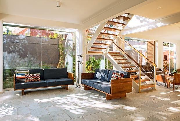 Para o jardim avante design salas de estar e brasil for Sala de estar grande com escada