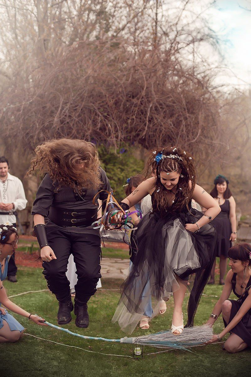 A Handfasting And Fire Dancing At This Quebec Wiccan Wedding Wiccan Wedding Pagan Wedding Pagan Wedding Dresses