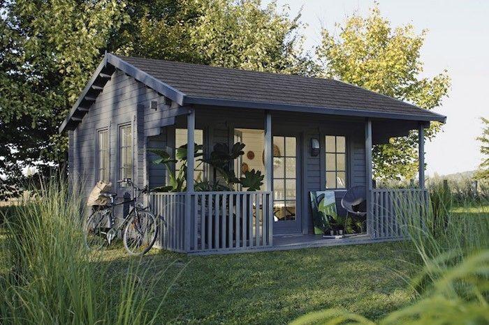 Abri De Jardin Leroy Merlin En Bois Ou Studio Avec Terrasse Design En 2020 Abris De Jardin Design Cabane Jardin Abri De Jardin