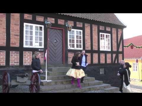 Ebeltoft Gamle Rådhus - Bryllupper den 11.11.11 - YouTube