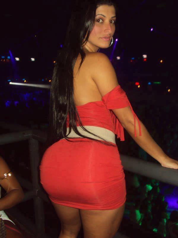 Latina Girl In Red Tight Mini Skirt Big Buns Hot Contours