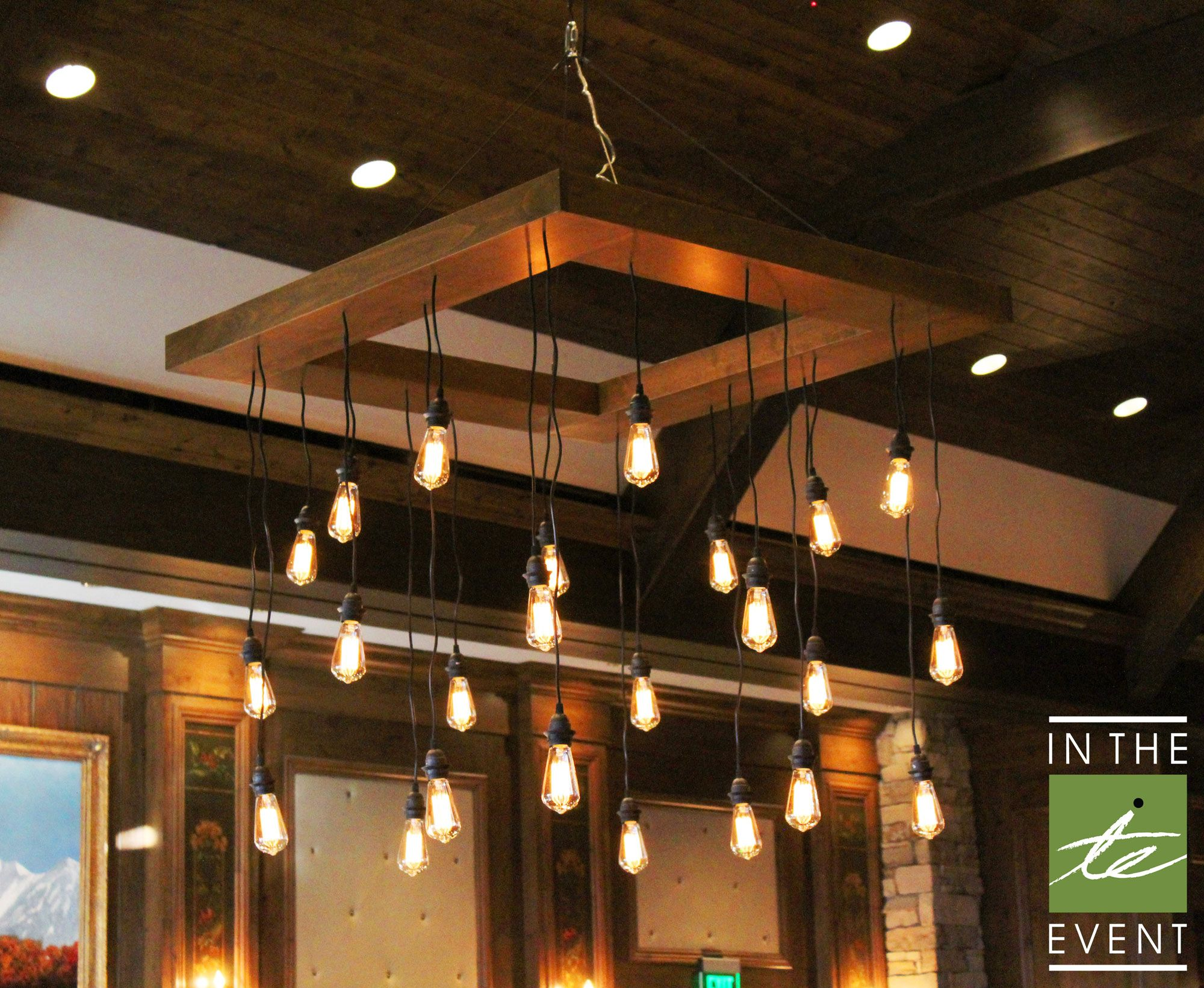 From Urban Venues To Antique Themes Our Edison Bulb Chandelier Is The Perfect Fit For Your Next Event Made With A Sleek Wooden Frame And Hanging Bulbs