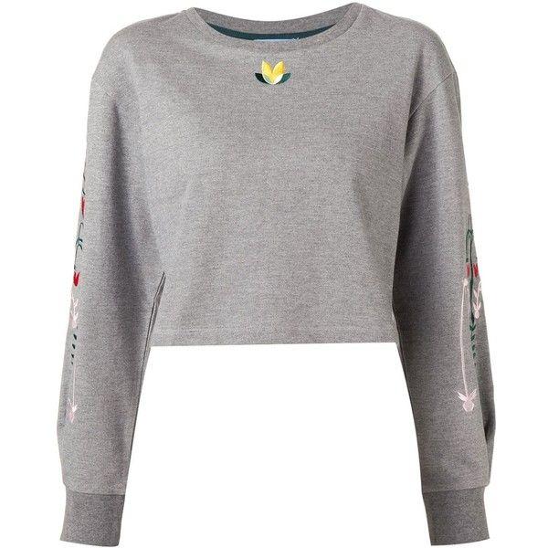 Minjukim embroidered cropped sweatshirt (£235) ❤ liked on Polyvore featuring tops, hoodies, sweatshirts, grey, grey crop top, crop top, embroidered top, gray top and grey sweatshirt