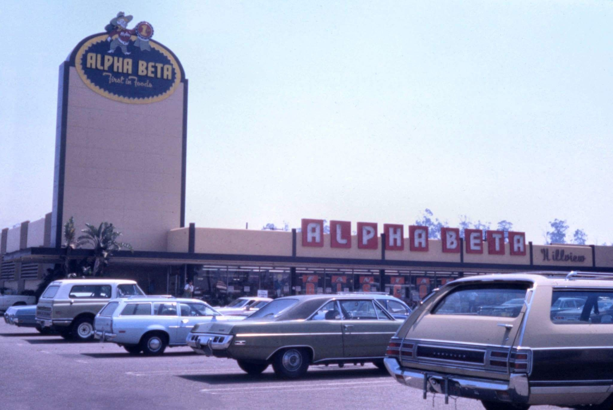 Alpha Beta Store In Long Beach I Believe That This Is The One Near 7th St And Redondo Where In April 1973 The Head Of Joh Tustin Vintage California Santa Ana