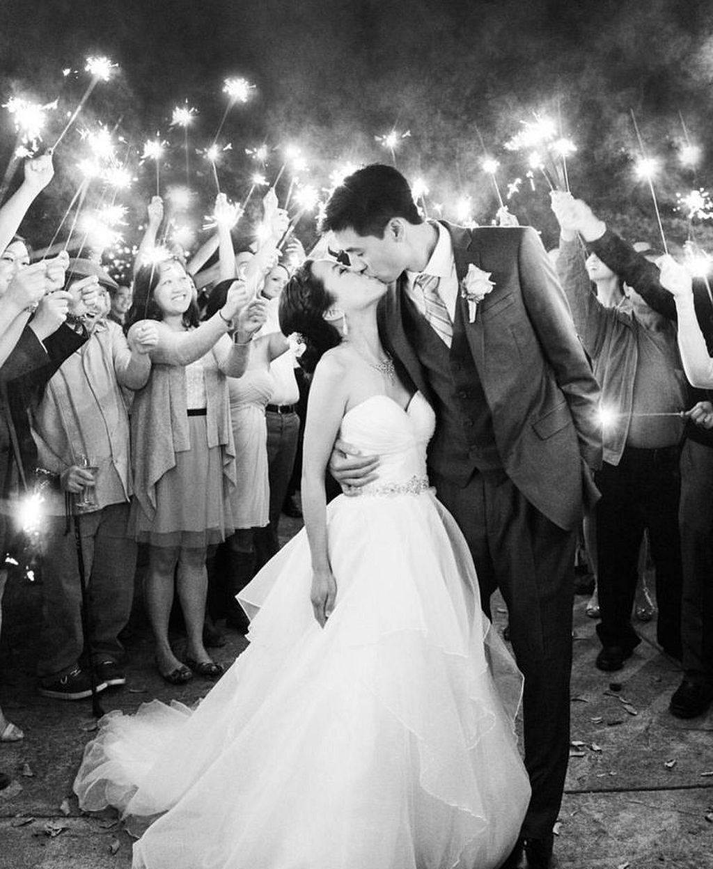 find your perfect sparkler photo wedding ideas