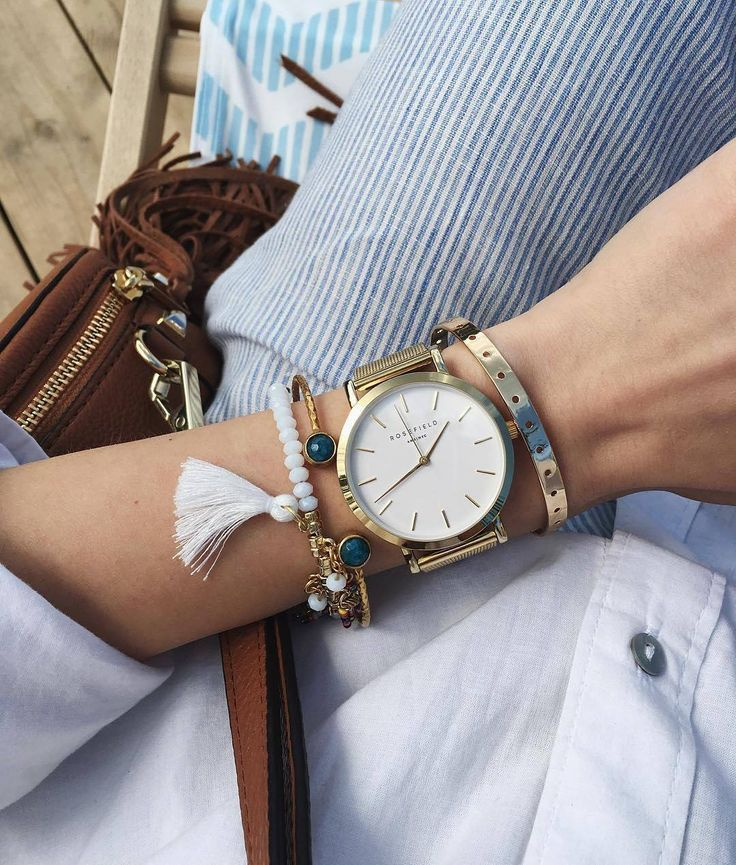 Soft blue and our Mercer Gold make the perfect match– Photo by @yuliador #goodmorning #sunday #weekend #softbluetones #bloggerstyle #goldwatch #mesh #mercer #rosefield #rosefieldwatches #amsterdam #newyork #nyc
