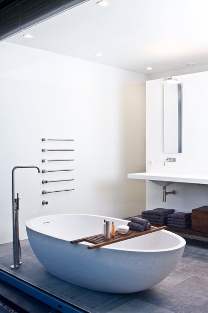 Badkamer in Tilburg, AGAPE bad en VOLA kranen. | Badkamers | Pinterest