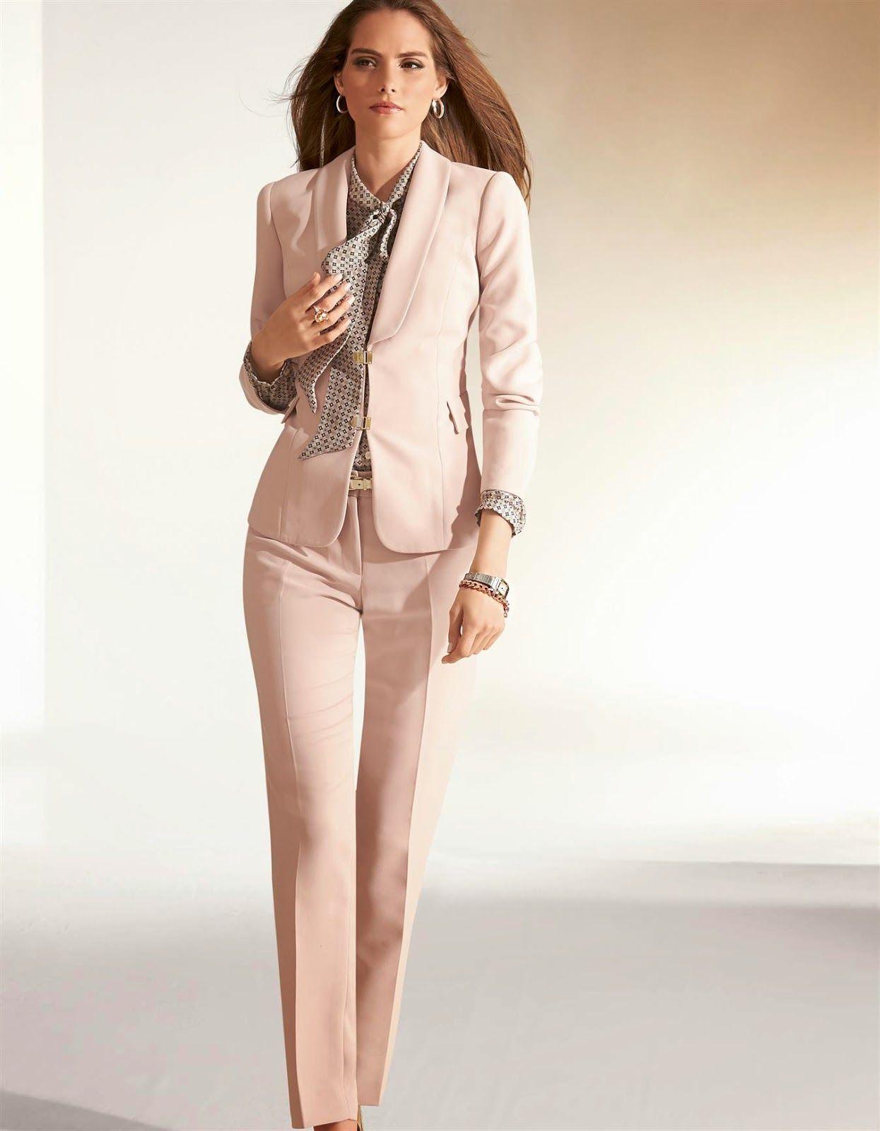 Traje de pantalon y chaqueta formal dama