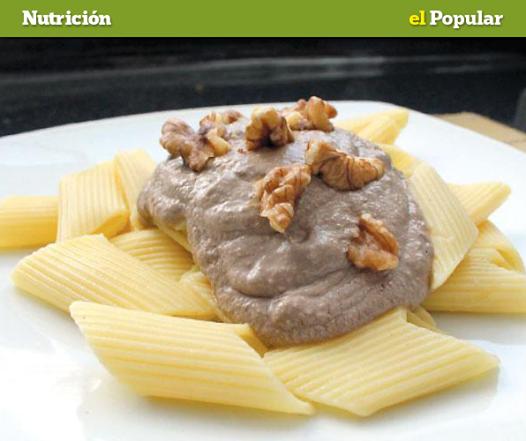 La receta popular: fideos en salsa de nuez