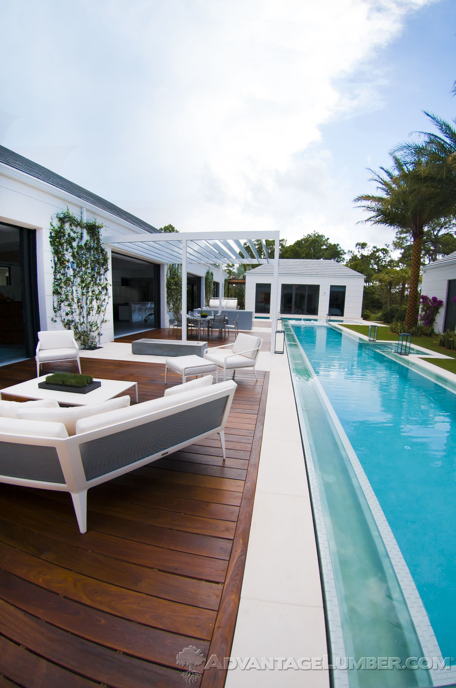 Ipe will make your outdoor furniture pop advantagelumber for Pool design tampa florida
