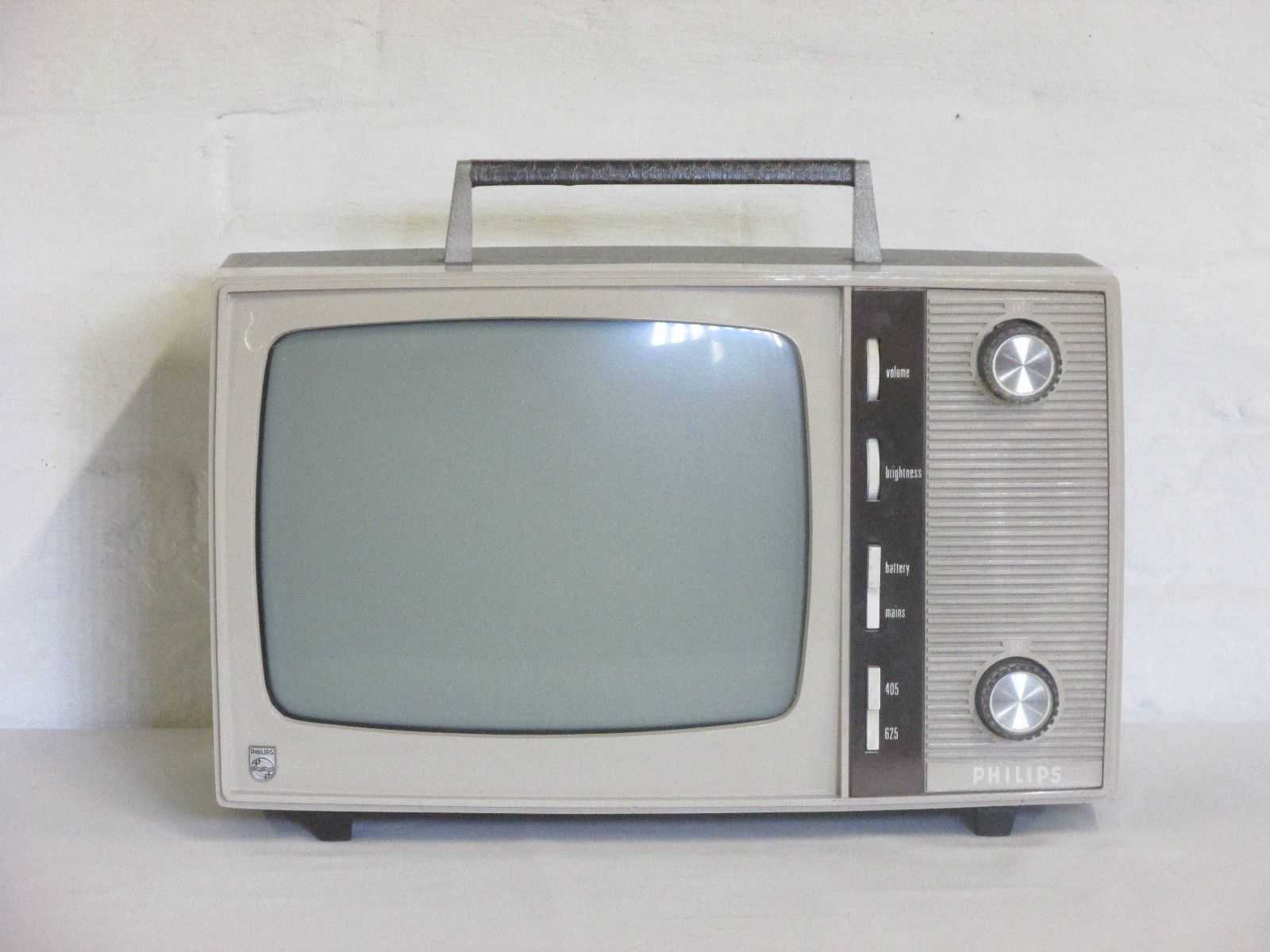 Vintage 1960's/1970's G.E. Portable Television  |1960s Portable Televisions