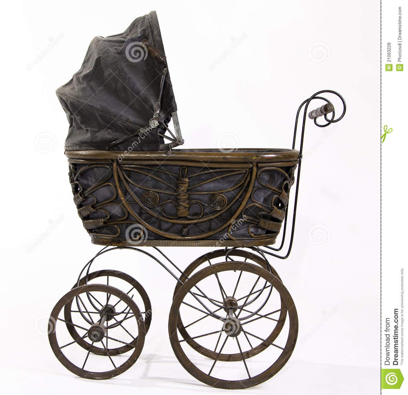 Antique stroller for baby shower pictures. Antiek