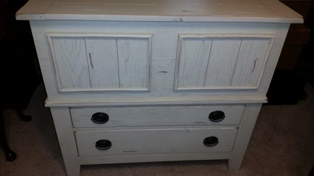 Auction Listings In Missouri Auction Auctions Mound City Auctions Dresser Design Heirloom Furniture Furniture