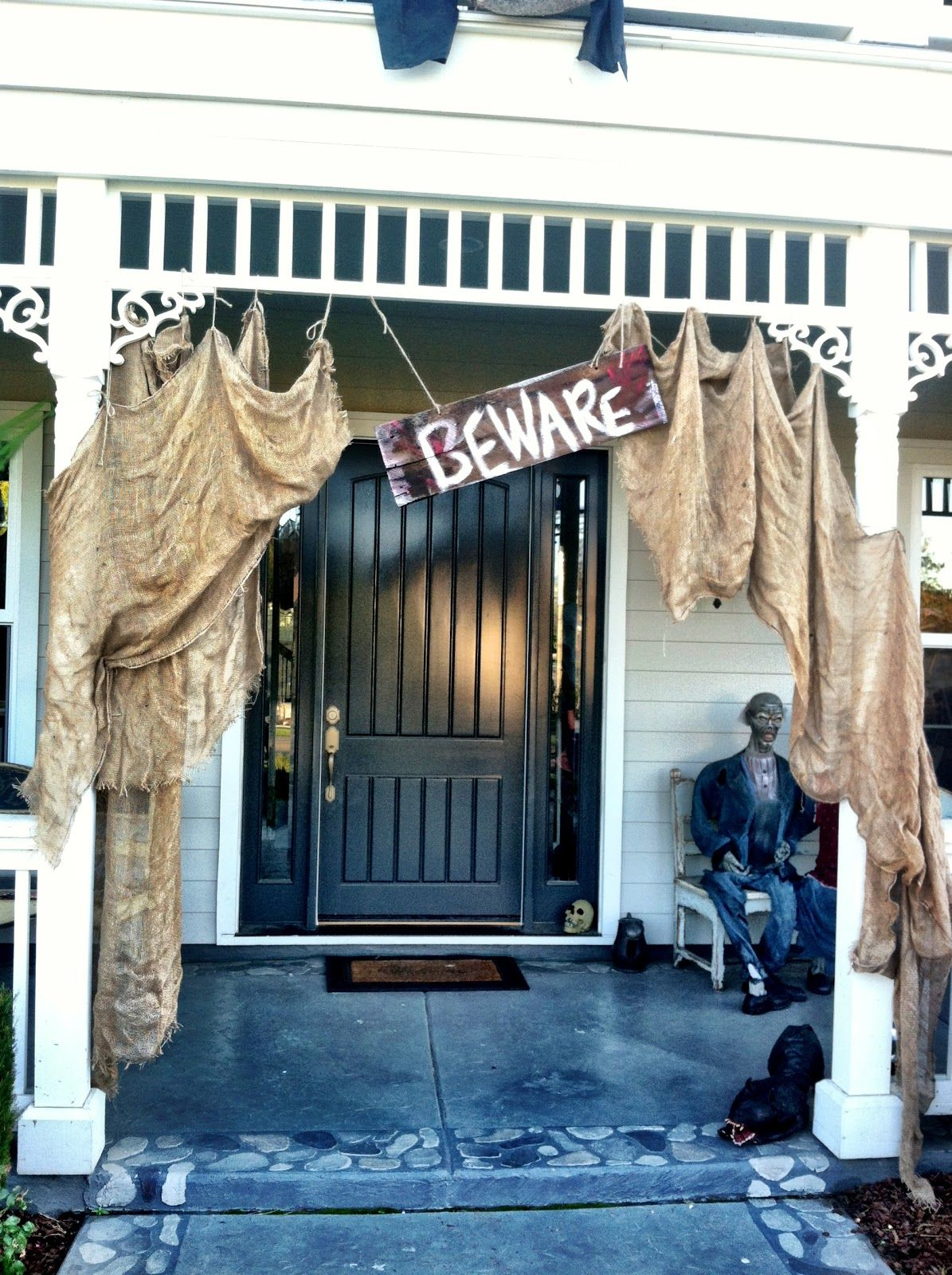 25 Halloween Porch Decorations Ideas Curb appeal, Halloween ideas - Halloween House Decorating Ideas Outside
