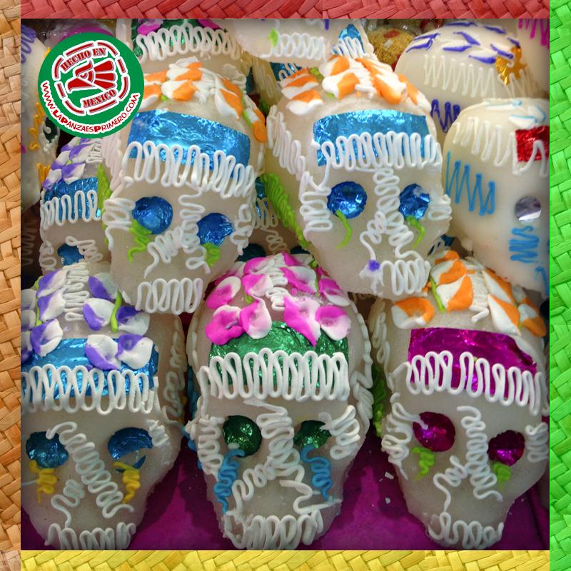 Tradicionales calaveritas de dulce que forman parte de las ofrendas del día de muertos.