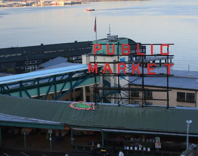10 Must-See Attractions in Washington State: Pike Place Market in Seattle