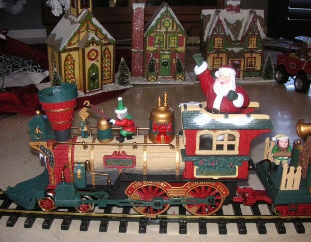 New Bright Holiday Express Animated Electric Train That Rides Around My Christmas Tree Engine Animated Christmas Christmas Train Christmas Tree Farm