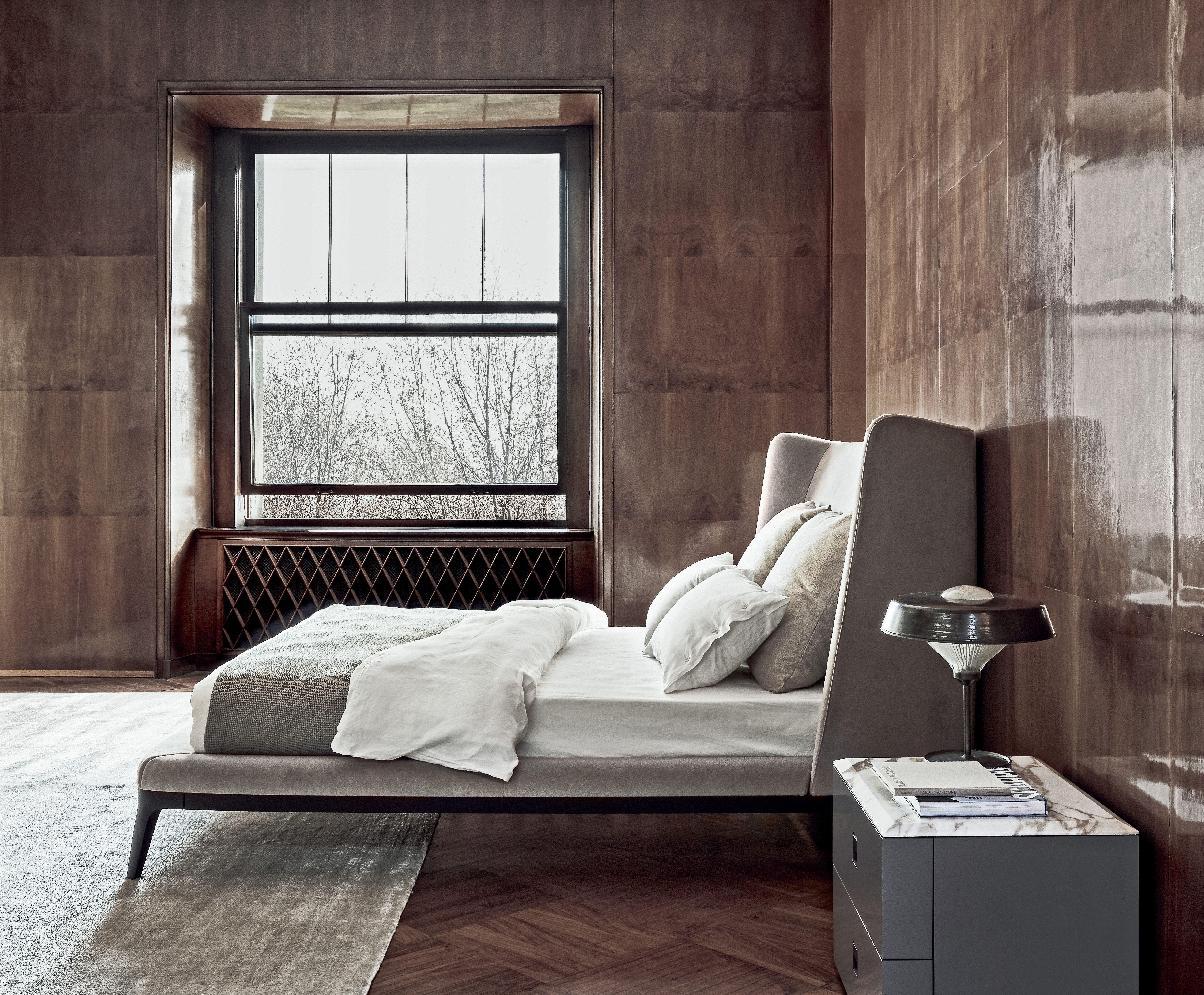 Flexform mood dragonfly bed and rafael nightstand for Elle decor interni