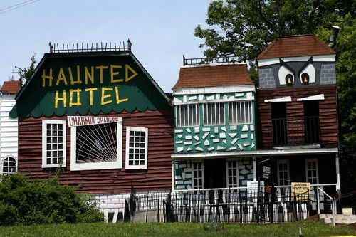 Special America S Most Haunted Hotels Hotel Cave City Ky
