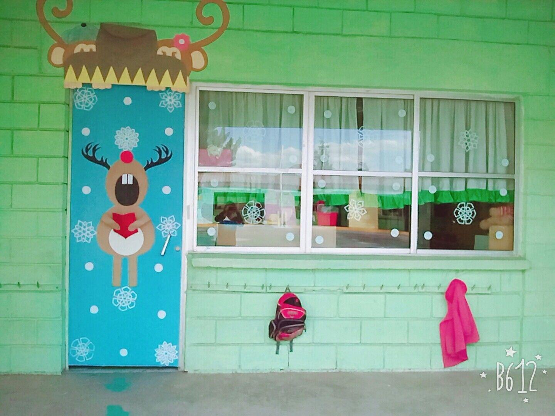 Puerta de navidad reno puertas decoradas y decoraci n for Fotos de puertas decoradas de navidad