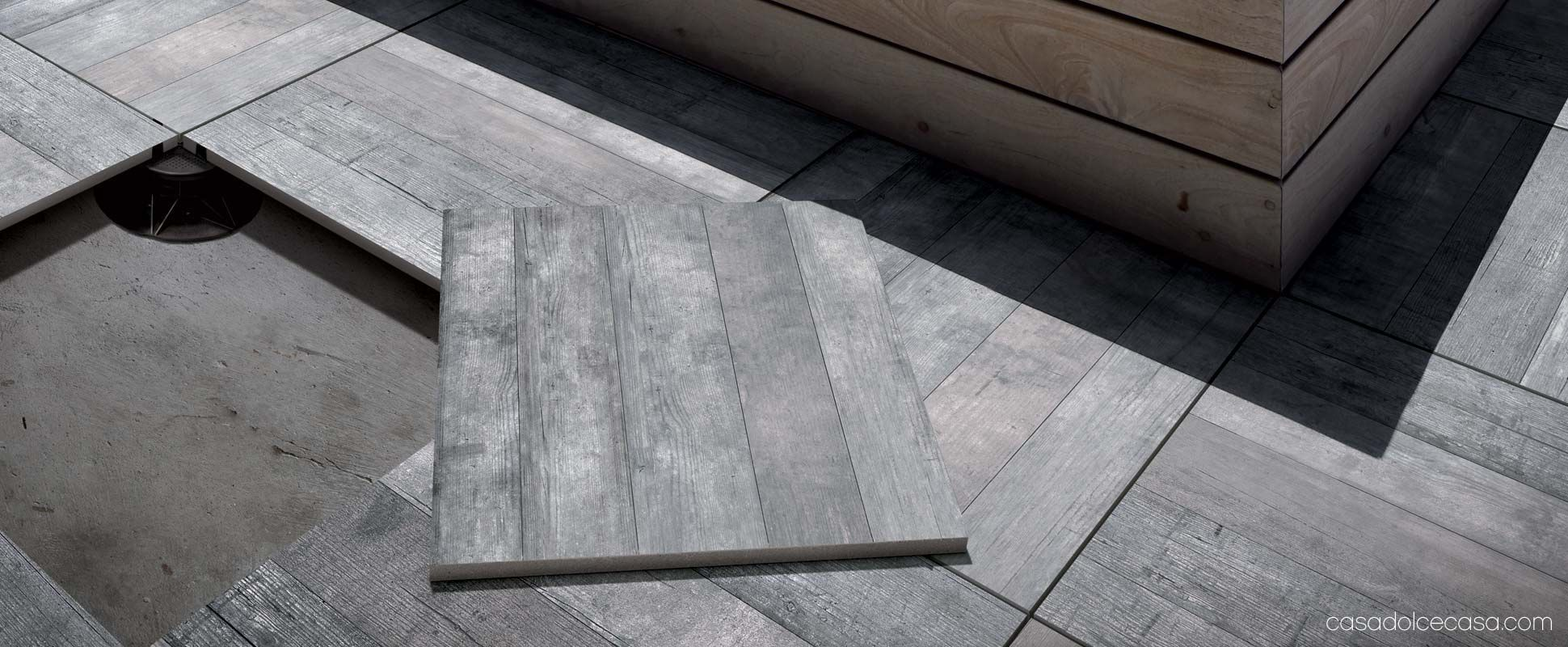 Self Laying Wood Effect Floor Tiles For