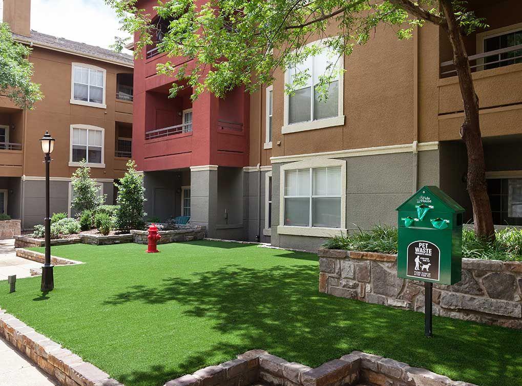 Pet park at AMLI Knox-Henderson, Uptown Dallas apartments