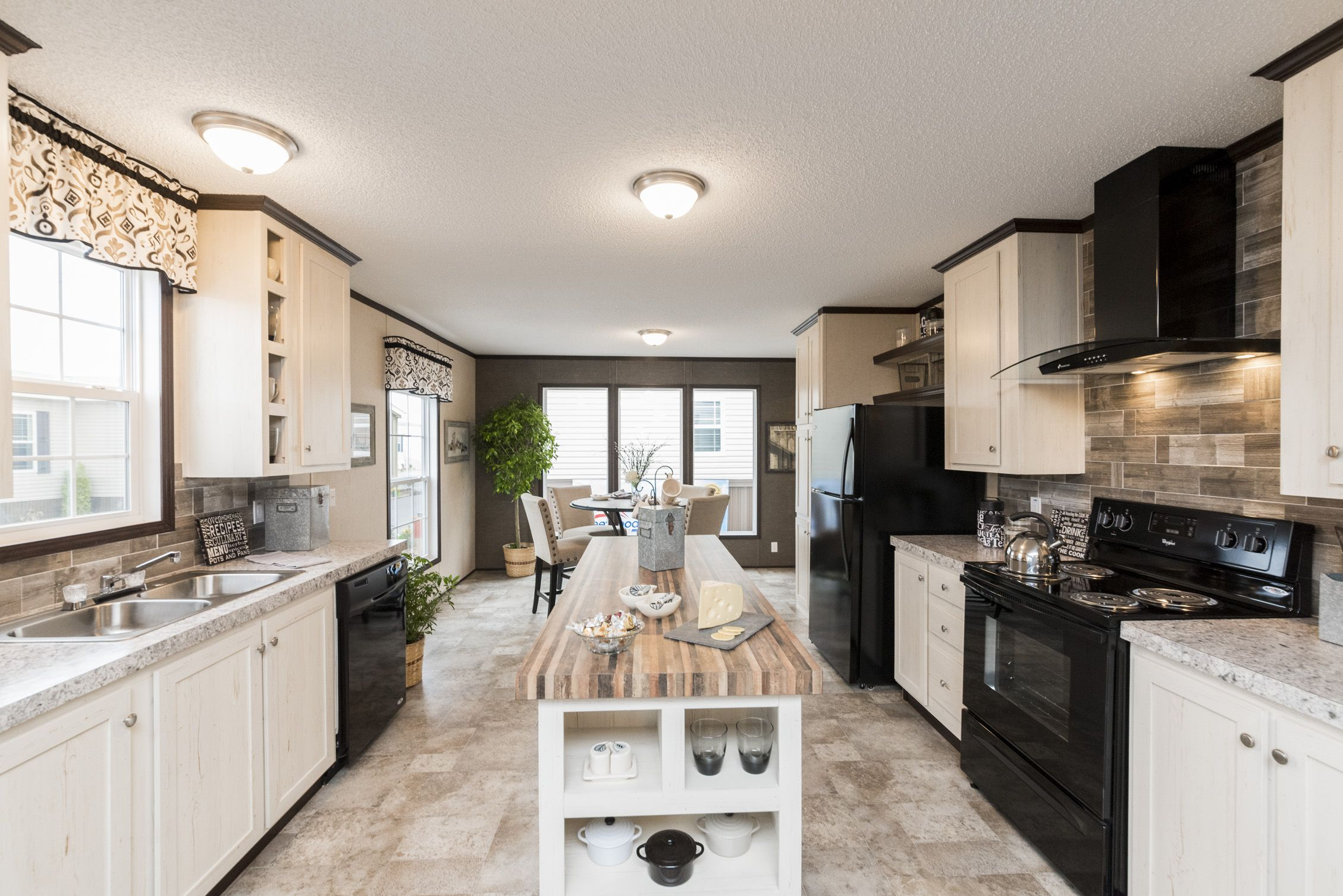 Sandalwood Xl 28483l By Fleetwood Homes Manufacturedhomes