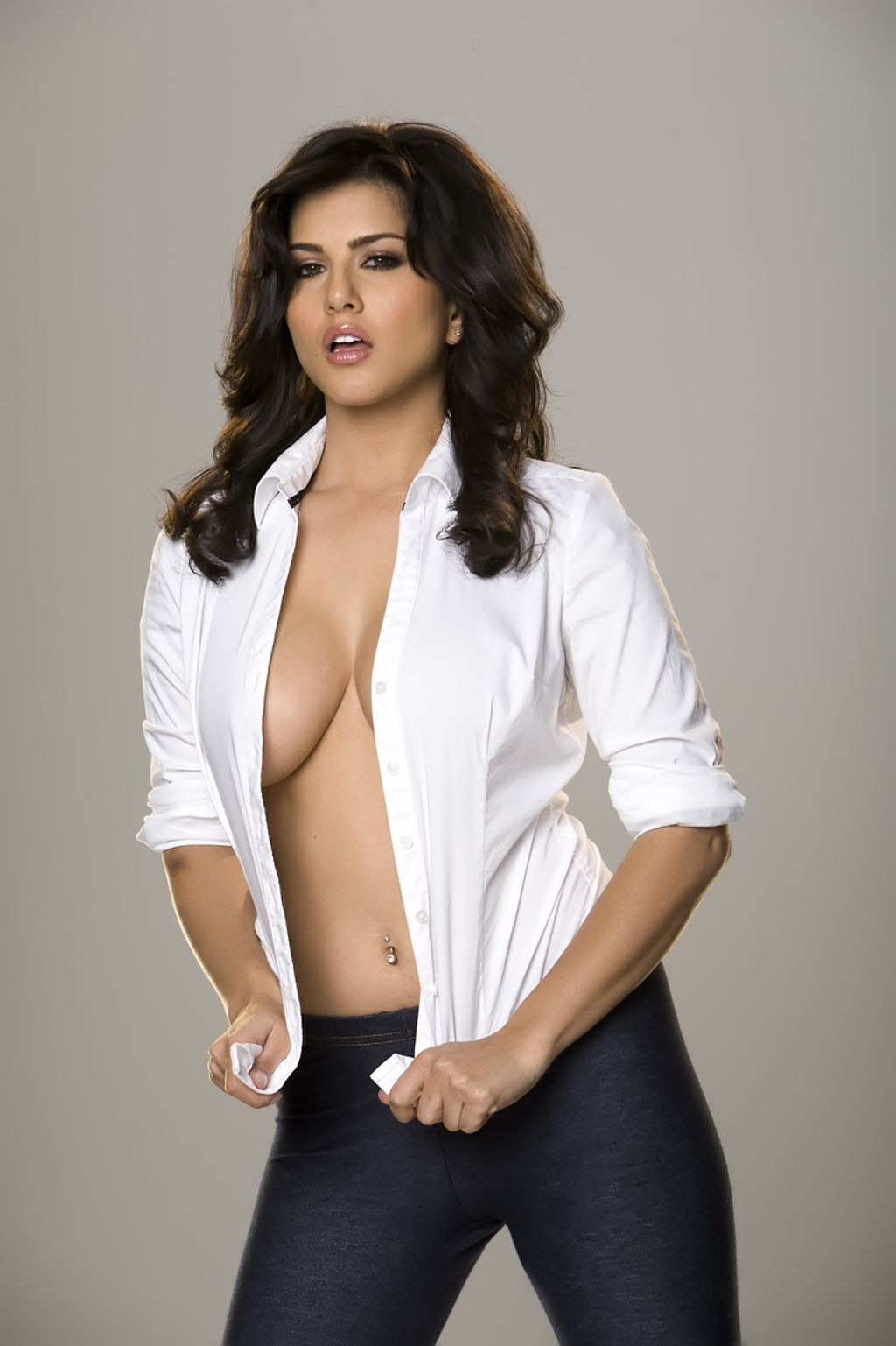 Are absolutely sunny leone white shirt