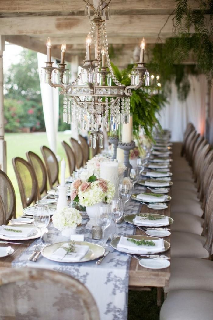 Romantische Hochzeit Im Garten Rustikales Tisch Arrangement