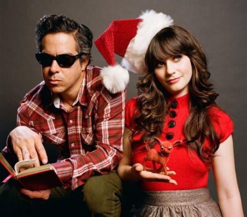 Zooey Deschanel Christmas Album.She And Him Love Their Christmas Album Hair And Makeup