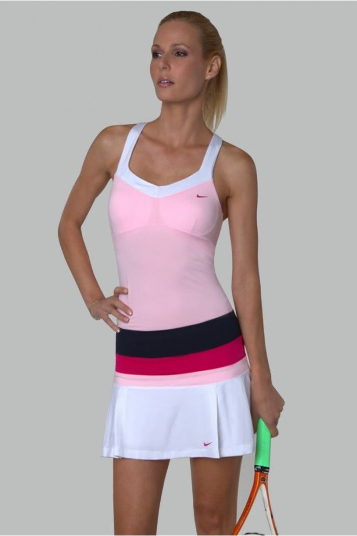 This Nike Tennis Outfit Definitely Looks Like Something Maria Sharapova Would Wear Find It On Pinksandgree Tennis Outfit Women Tennis Clothes Tennis Shirts