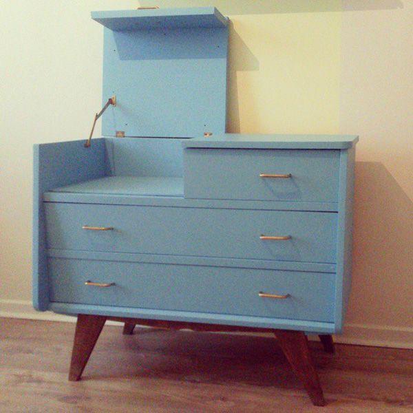 commode coiffeuse vintage meuble restaur ou d tourn pinterest coiffeuses vintage. Black Bedroom Furniture Sets. Home Design Ideas