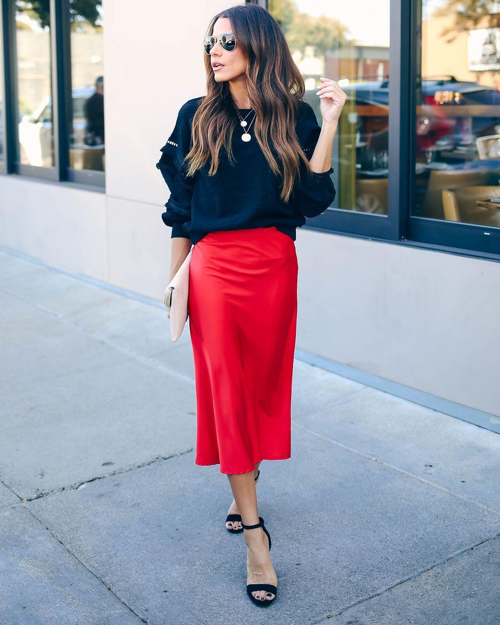 Red pencil skirt midi length  LARGE