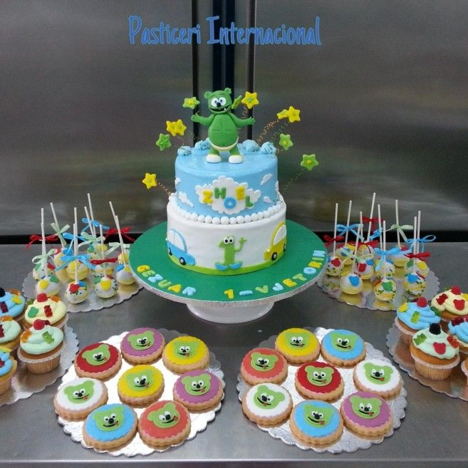 Gummy bears cake , biscuits , cup-cake , cake-pop