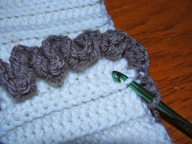 Migrating to Simplicity: crochet earwarmer with ruffles...with ...