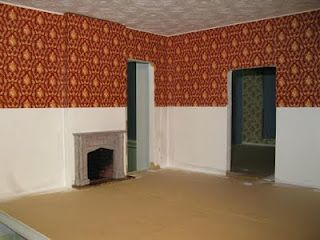 Tips For Applying Dollhouse Wallpaper And Painting Walls And Ceilings Source Englishmanordollhouse Blo Dolls House Interiors Doll House Crafts My Doll House