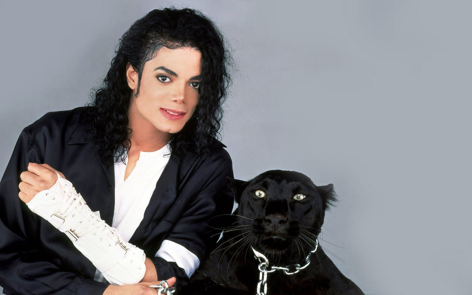 Wallpapers4all Info Michael Jackson Wallpaper Michael Jackson Michael Jackson Dangerous