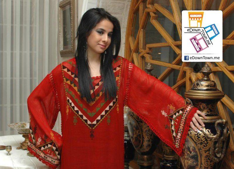 ثوب احمر مطرز سوق وسط البلد Fashion Sari Saree