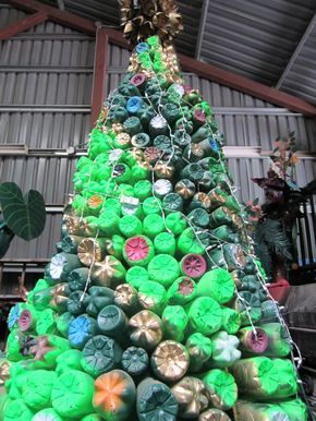 Christmas Tree Recycle.Recycled Water Bottle Christmas Tree Recycling Club