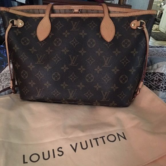 e03b8ac941c10 Louis Vuitton Neverfull Nice in great condition lv Neverfull pm. No trading  on this bag unless its something great that I just have to have. trade  value ...