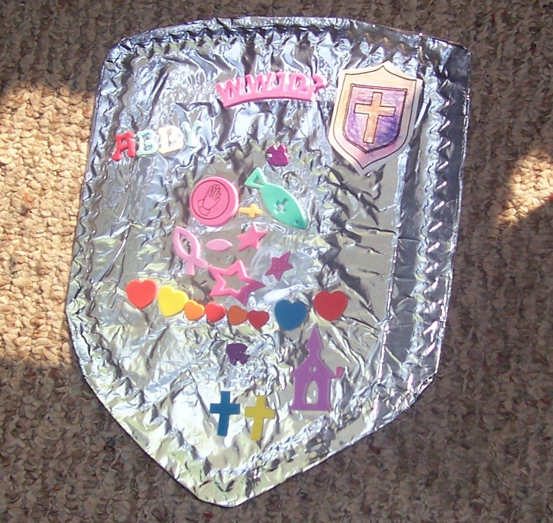 Vacation bible school crafts ideas - Shield Craft For Vacation Bible School