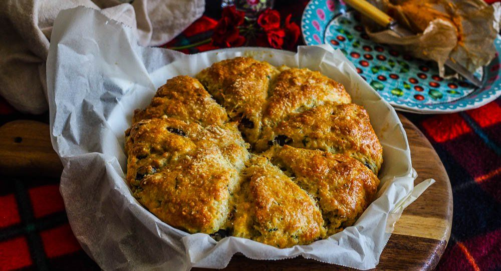 Grate Picnic Food: Cheesy Olive & Herb Scones #familypicnicfoods