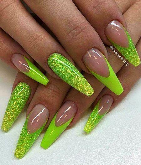 23 Green Nail Designs 2019 Green Nagelontwerpen Brenda Manichand Nagel Blog In 2020 Green Nail Designs Green Nails Matte Nails Design