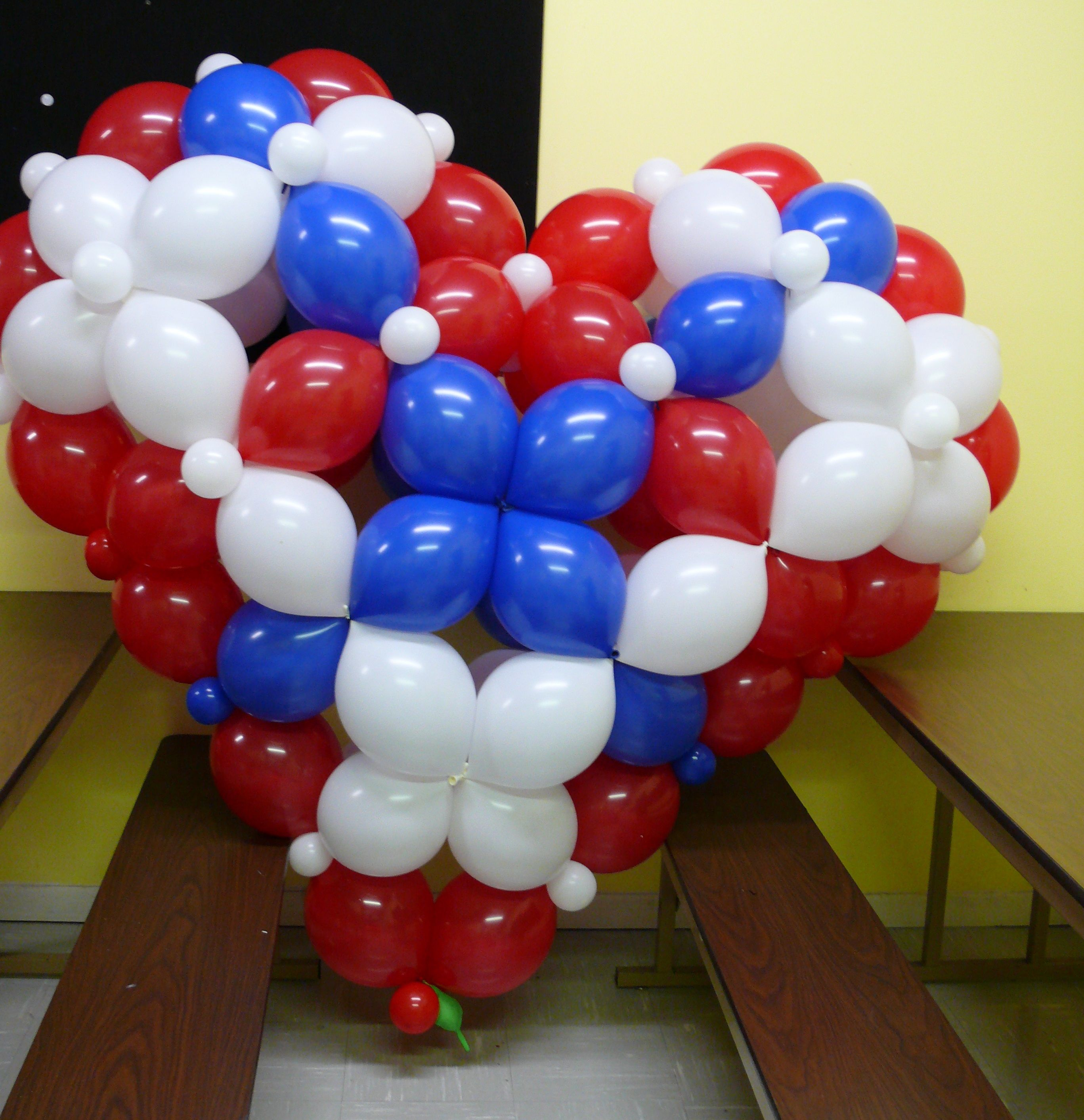 3 d link o loon heart sculpture taught by guido verhoef for Balloon decoration classes