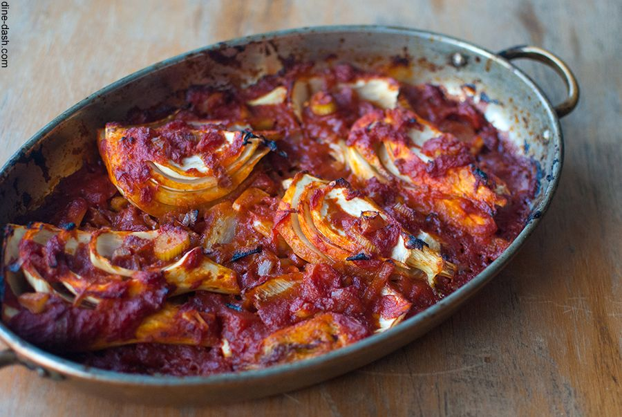 Fennel roasted with tomato sauce